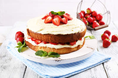 Торт свадебный с ирисами фото 4