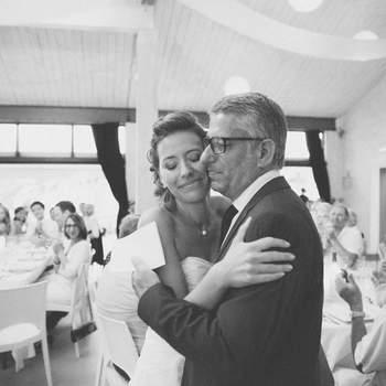 Les plus belles photos de l'instant où un père découvre sa fille en mariée !