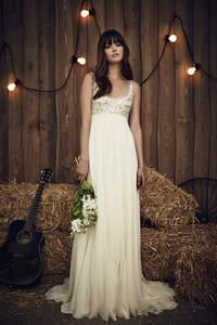 Suknie ślubne dla niskich kobiet 2017