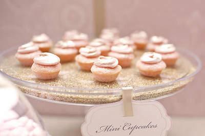 Cupcakes: the Bite-Sized Wedding Cake Option