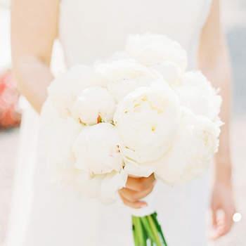 Scegli un bouquet da sposa di peonie 2017: talmente bello che non vorrai 'lanciarlo'