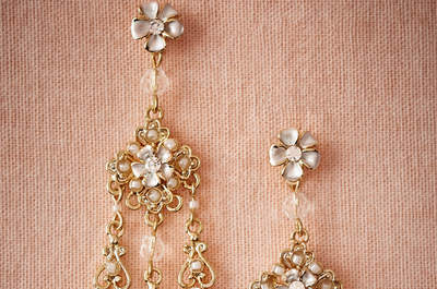 Statement earrings for brides: stand out from the crowd!