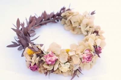 Une couronne de fleurs pour votre mariage en 2016 : une touche poétique et romantique à votre look