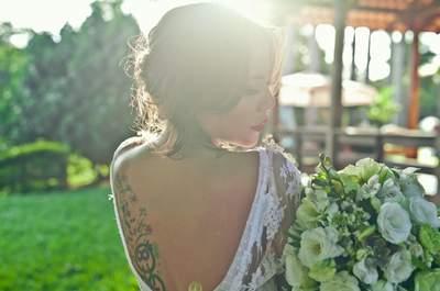 Looks PERFEITOS para noivas com TATTOO: personalidade e MUITO estilo!