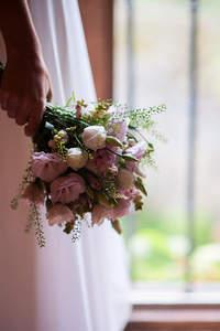 Der Brautstrauß als Accessoires