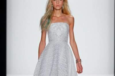 Inspiração de looks de festa com cinturas marcadas, laços e estilo retrô: Badgley Mischka Primavera/Verão 2015