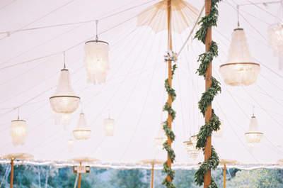 Decoração de casamento com guirlandas de flores e adornos: inove!