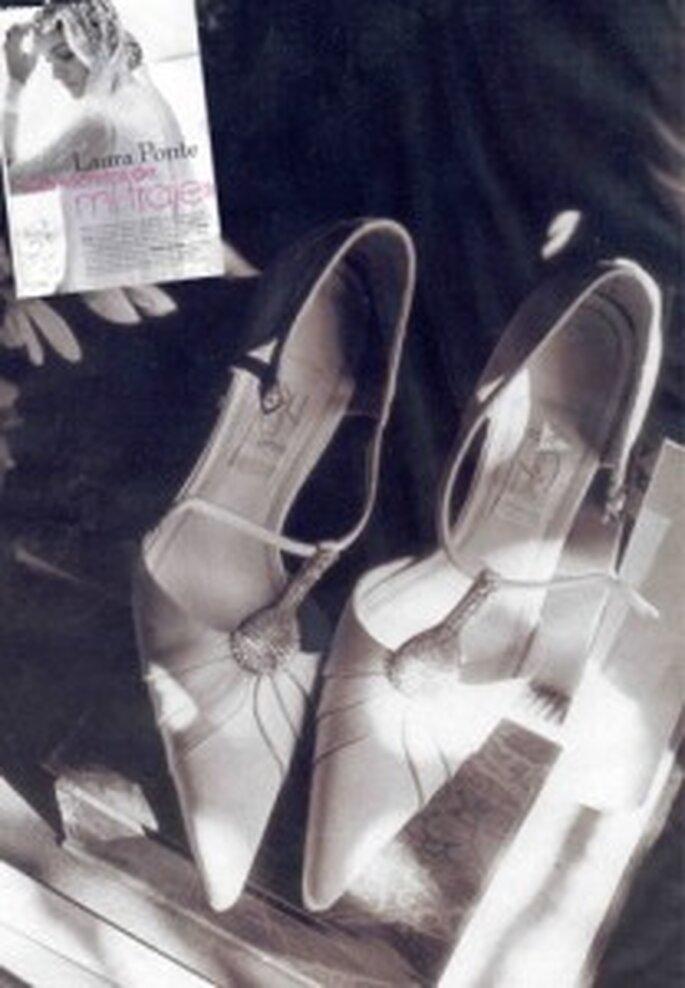 Zapatos de novia, diseño años 20.