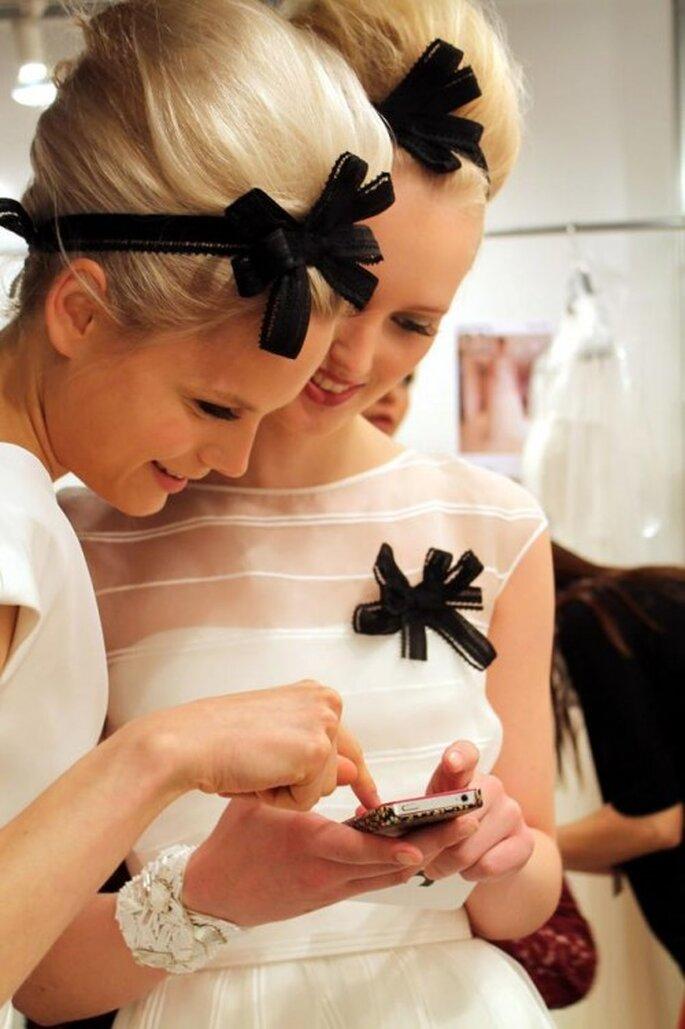 Lazos en color negro como accesorio en tendencia para novias - Foto Jesús Peiró