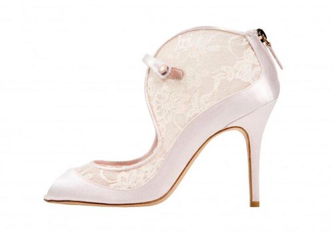 Zapatos para novia estilo botín con bordados de encaje - Foto Monique Lhuillier