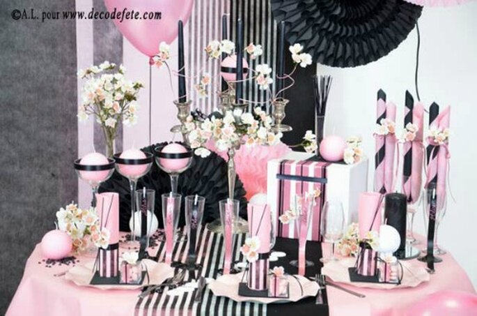Bandeaux et chemins de table auront fière sur vos tables de mariage - Photo : decodefete.com