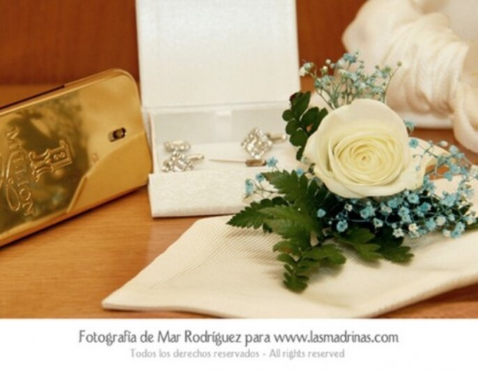Manschettenknöpfe als Hochzeitsgeschenk - Foto: lasmadrinas.com by Ana Rodriguez