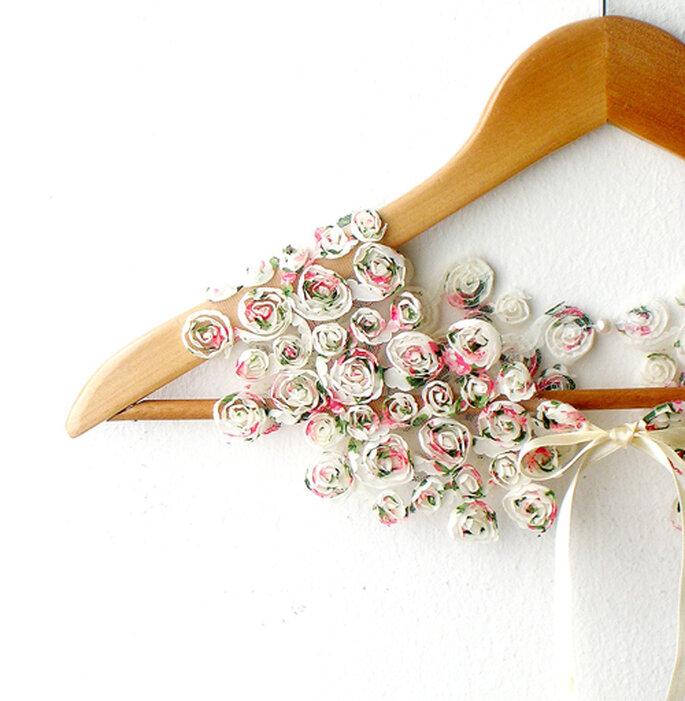 Foto: CallMeMimi http://callmemimi.etsy.com ( http://www.etsy.com/listing/100742823/peter-pan-collar-little-roses-detachable)