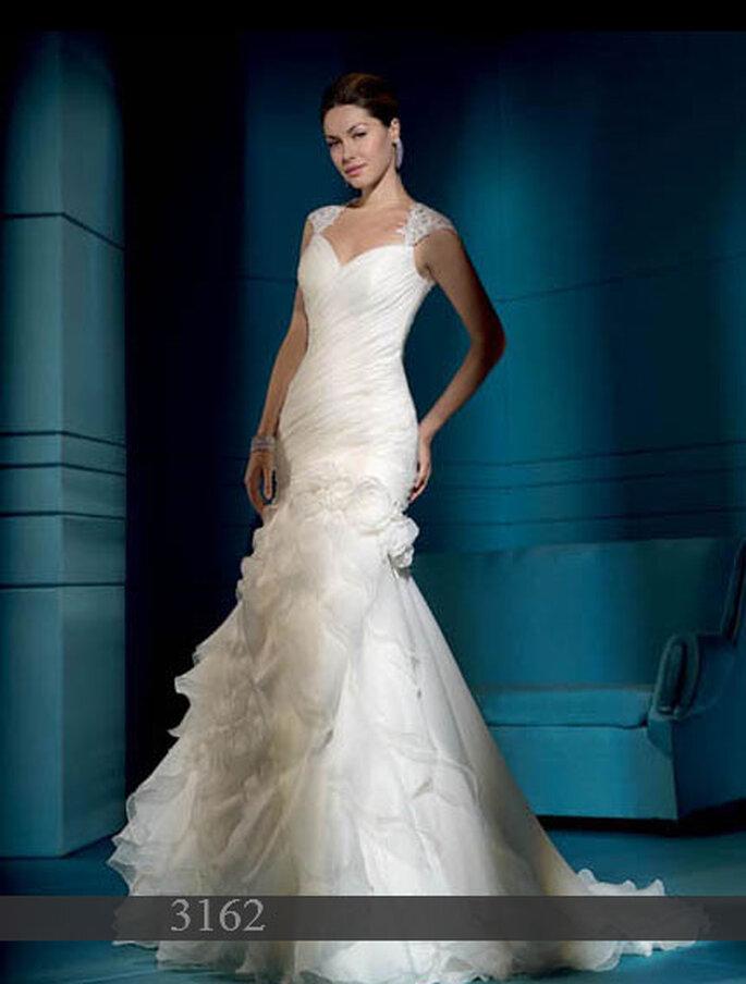 Demetrios 2011: Brautkleid aus Satin und Organza - Meerjungfrauenstil