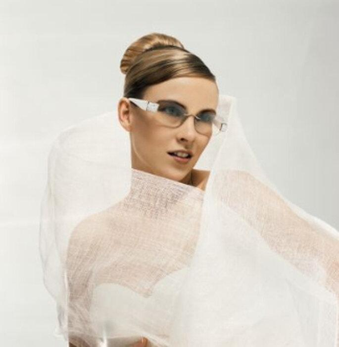 Braut mit Brille von Swarovski