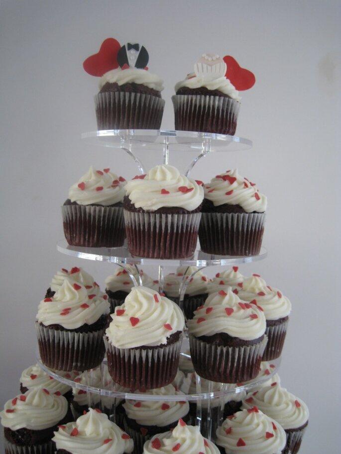 Um torre de cupcakes para o bolo de casamento