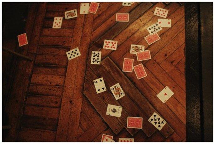 Juegos de cartas para amenizar la boda. Fotografía Roberto y María