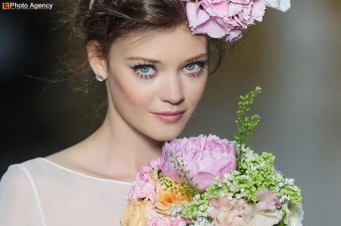 Romantyczny makijaż ślubny delikatne kwiaty
