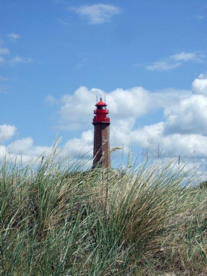 Heiraten am Leuchtturm Flügge – Foto: Tourismus-Service Fehmarn