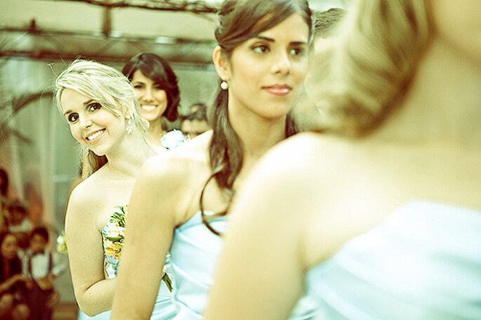 Viste tu boda de azul esta temporada. Foto: Flavia Soares