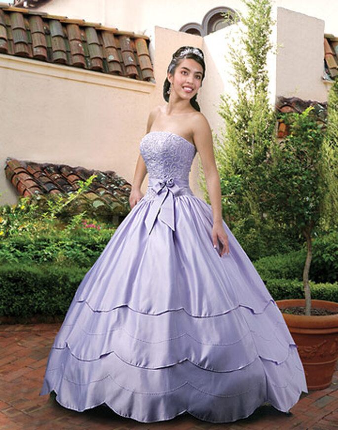 Un vestido romántico en un hermoso marco natural, como en un cuento de hadas esperas para desposar a tu Príncipe Azul.