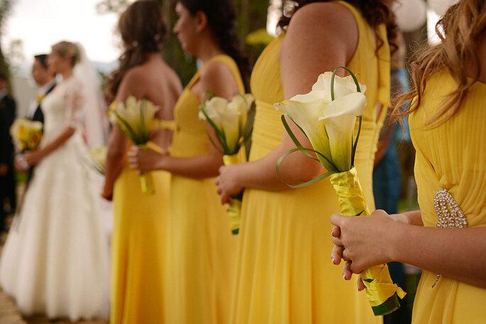 Demoiselles d'honneur habillées de jaune. Photo: Juya Photographer