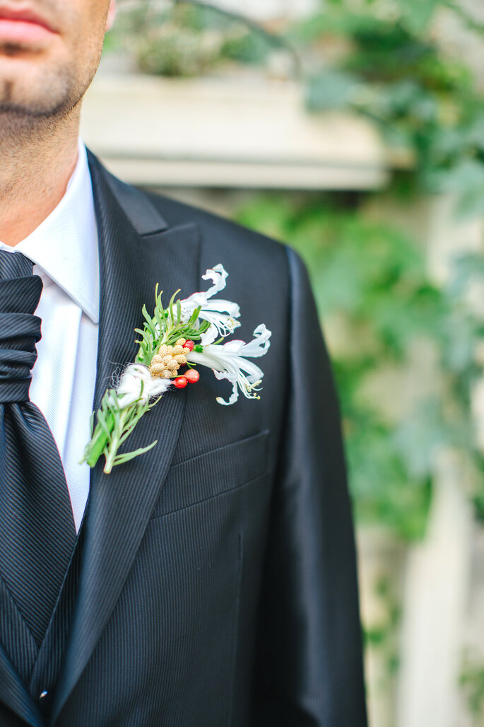 Groom Dress: May Faber