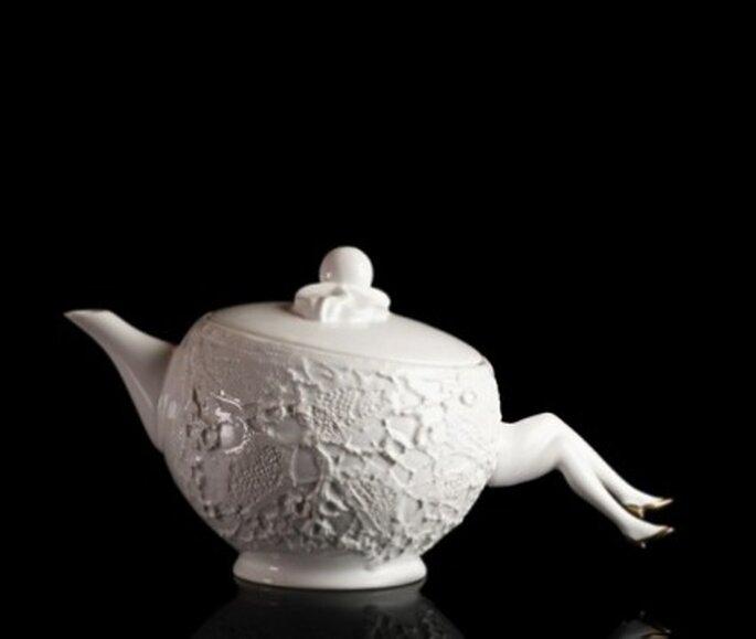 Blaue Blume Tea Pot - Undergrowthdesign.com