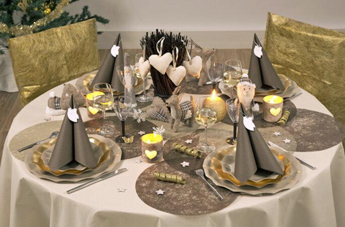 Quoi de plus romantique qu'une décoration de table baroque et précieuse ? - ©Zoé Confetti