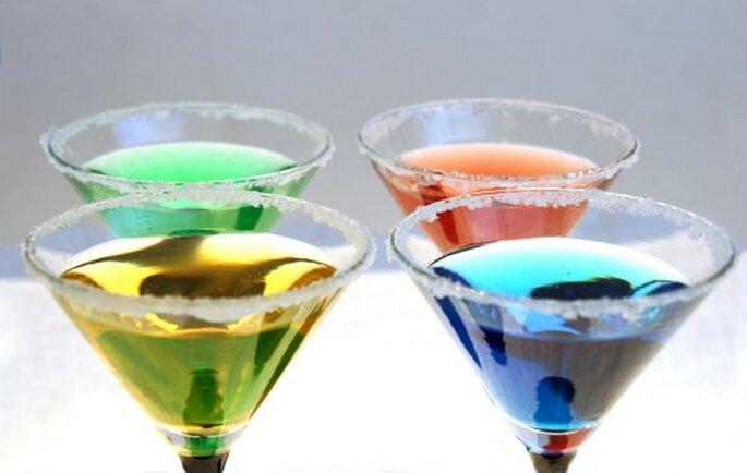 Bunte Cocktails für Ihre Hochzeit. Foto: Alexandra H. / pixelio.de