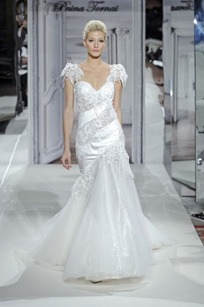 Vestido de novia con mangas cortas - Foto Pnina Tornai
