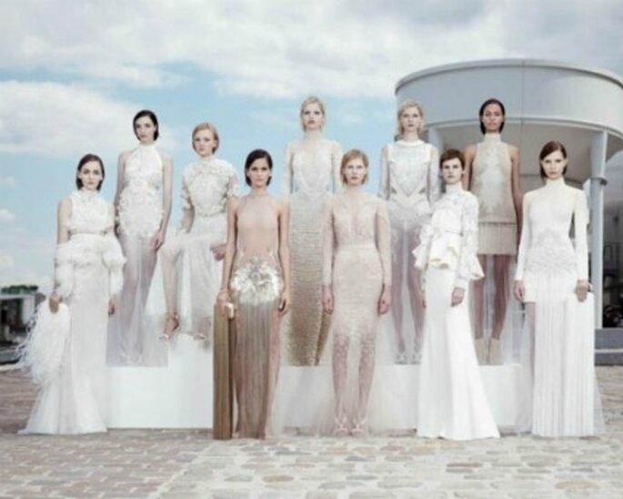 Alcuni modelli per una sposa-diva della sfilata Haute Couture 2011-2012 di Givenchy