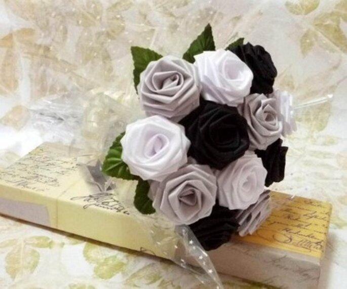 Bouquet origami noir et blanc - Lunatiger sur Etsy.com