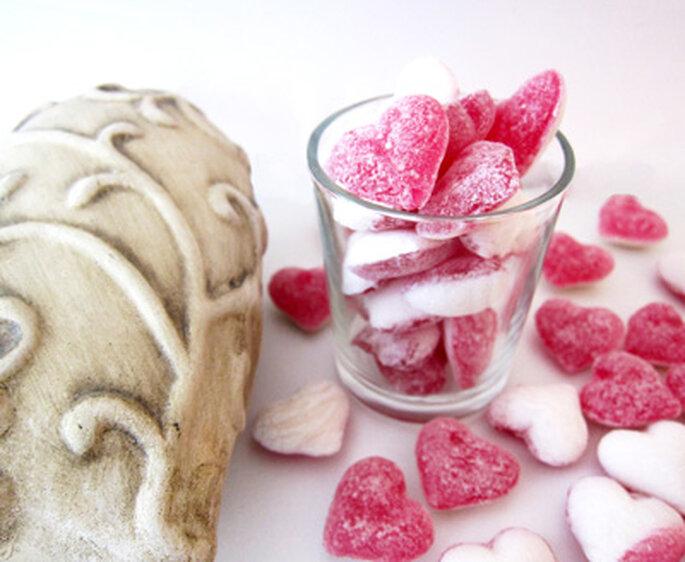 Hochzeitsbonbons als ideale Alternative zu herkömmlichen Tischkärtchen - Foto: DeinBonbon