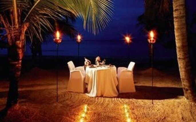 Cena en la playa. Hotel Couples Swept Away Jamaica
