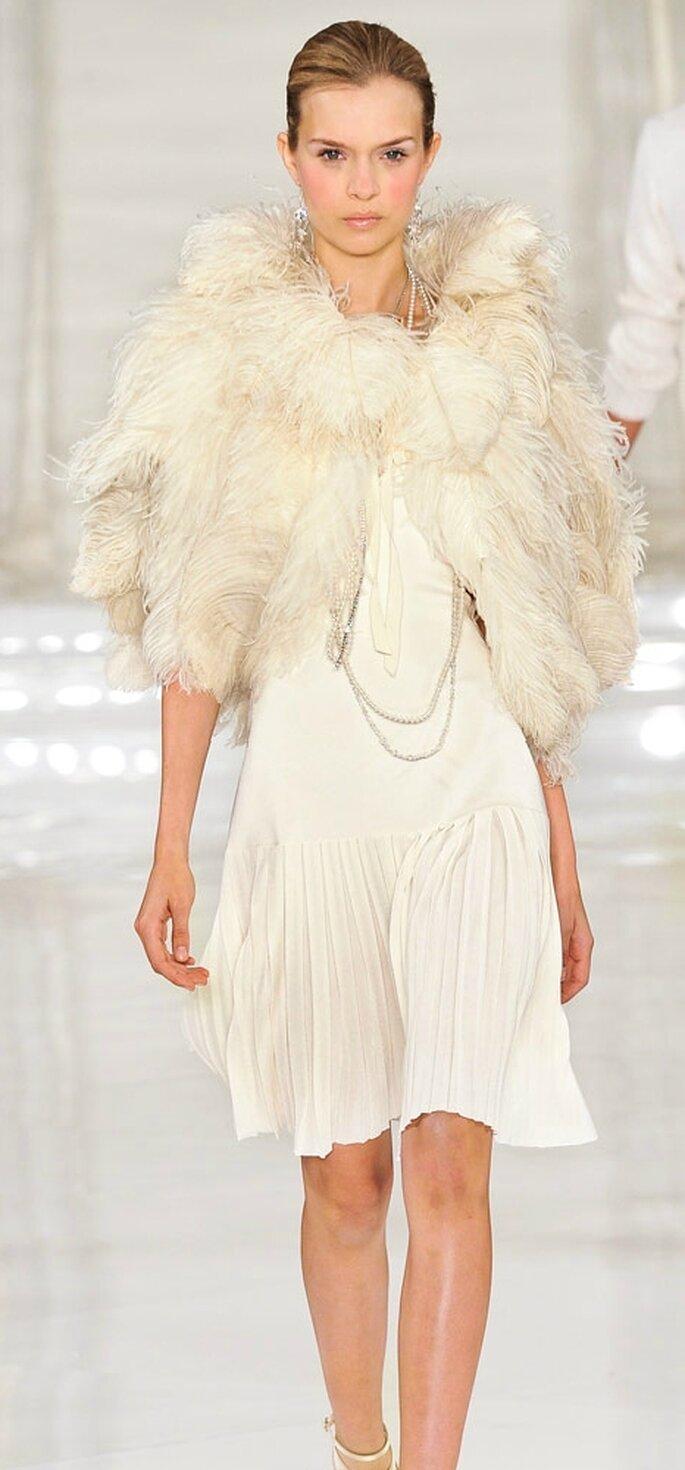 Vestido corto para novia en la coleccion de Ralph Lauren 2012