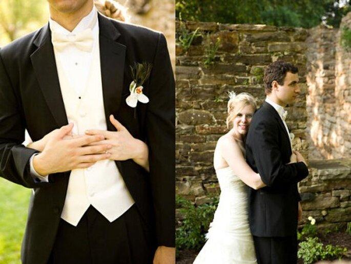 El esmoquin es otra opción perfecta para una boda no tan formal - Foto Kellan Studios