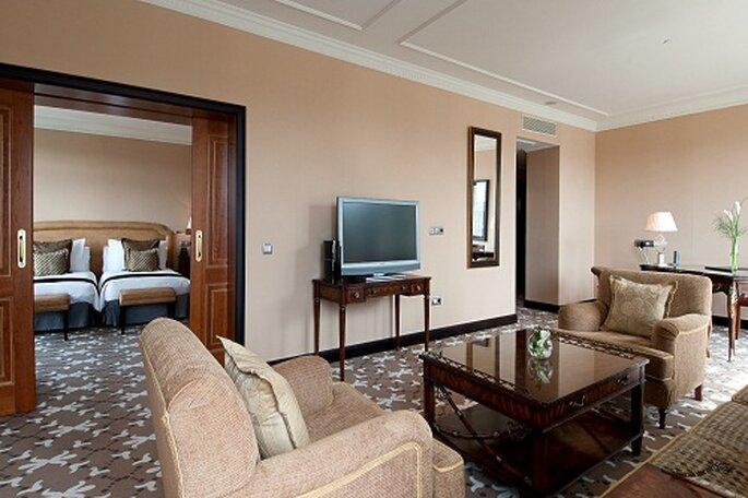 Impresionante 'suite' presidencial doble. Foto: Hilton Buenavista Toledo.