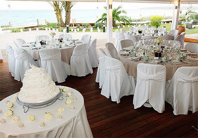 Un banquete a pie de playa en Formentera