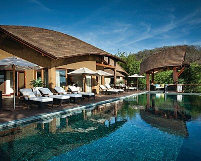 Hier können Sie sich von den stressigen Hochzeitsvorbereitungen erholen: geniessen Sie Ihre Flitterwochen im Four Seasons Resort Costa Rica.