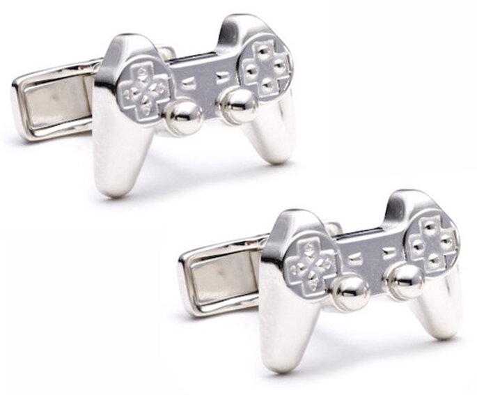 Gemelos con forma de playstation