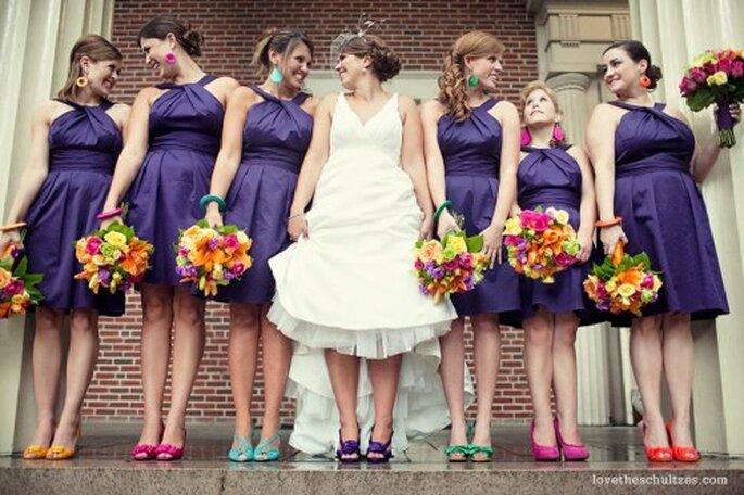 Kolorowe buty panny młodej i druhen