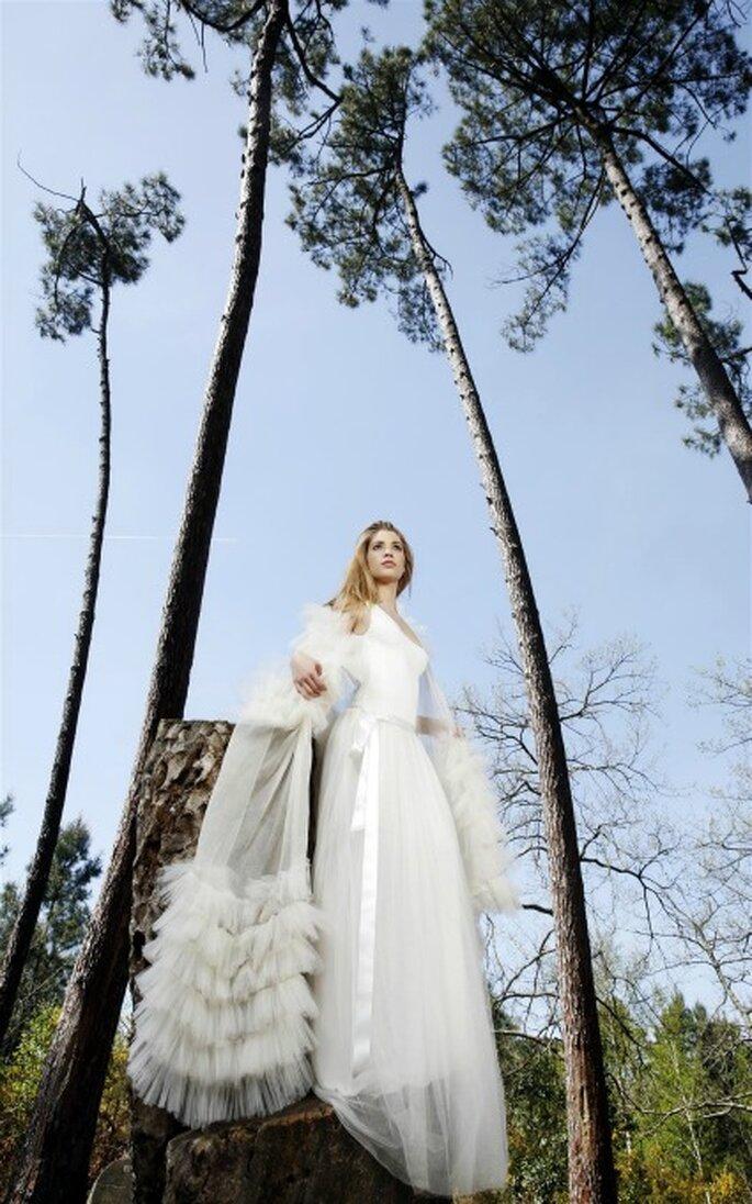 Misez sur une coupe taille basse et une ligne fluide pour votre robe de mariée - Gwanni 2014