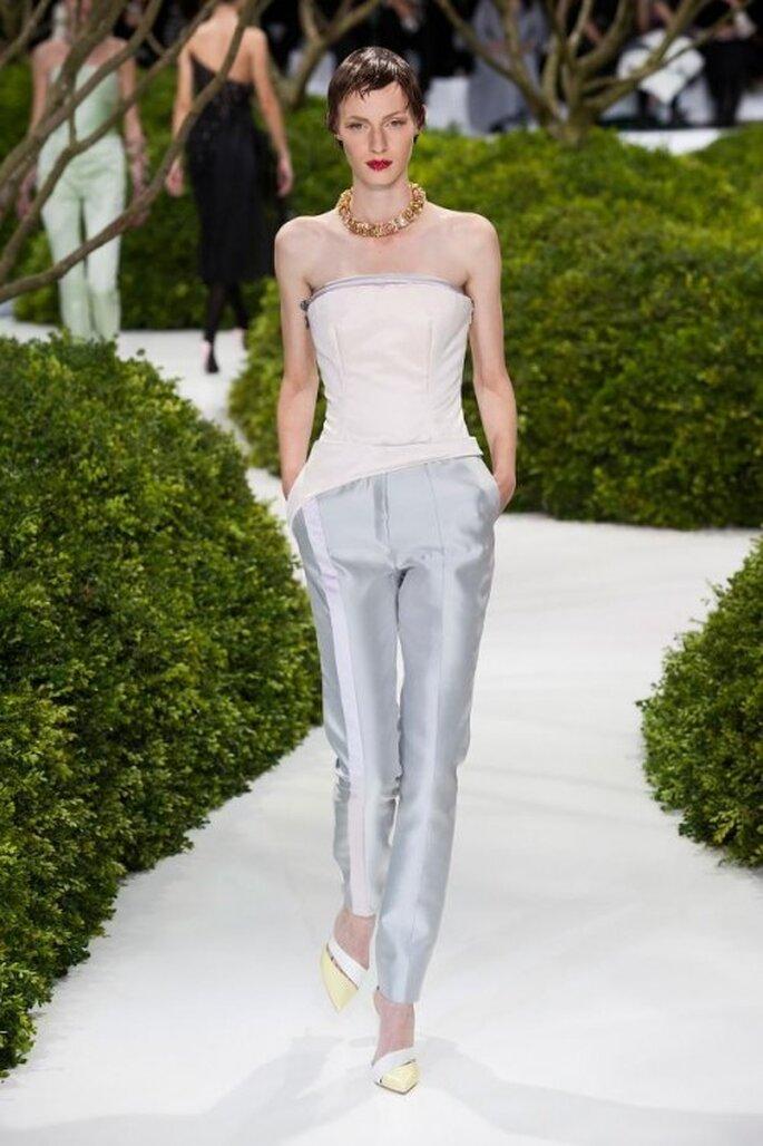 Pantalones de fiesta corte recto en color azul suave - Foto Dior