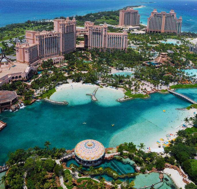 Atlantis Resort, Bahamas. Marine Habitat