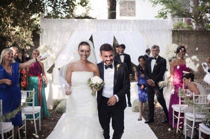 La pareja de recién casados. Foto de Whitechicwedding