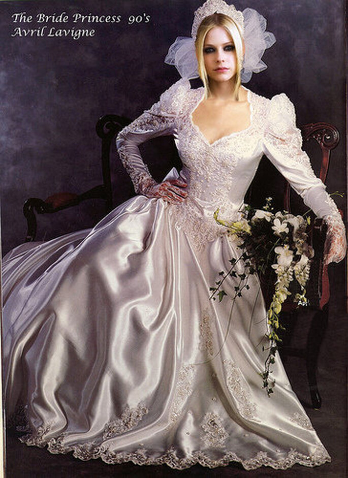 US-Sängerin mit 21 Jahren in Ihrem Brautkleid – Foto: Avril Lavigne via Facebook