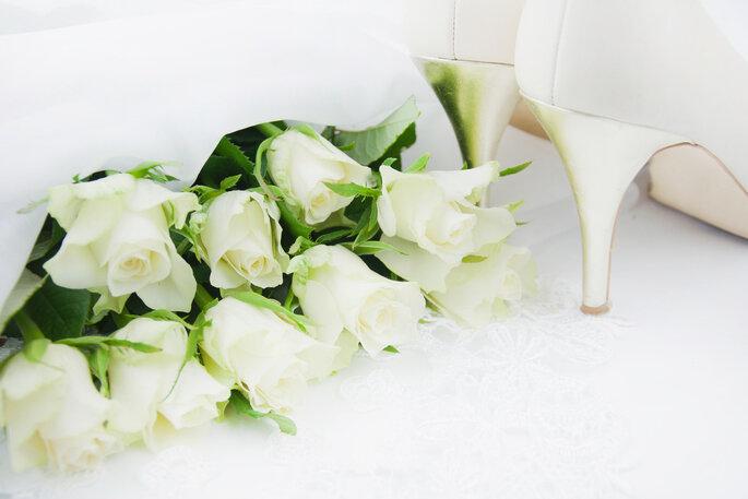 Las rosas blancas están entre las favoritas de las novias. Foto vía Shutterstock