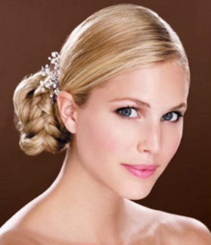 Colori neutri per gli occhi e rosa sulle labbra. Foto www.dieta-e-bellezza.myblog.it