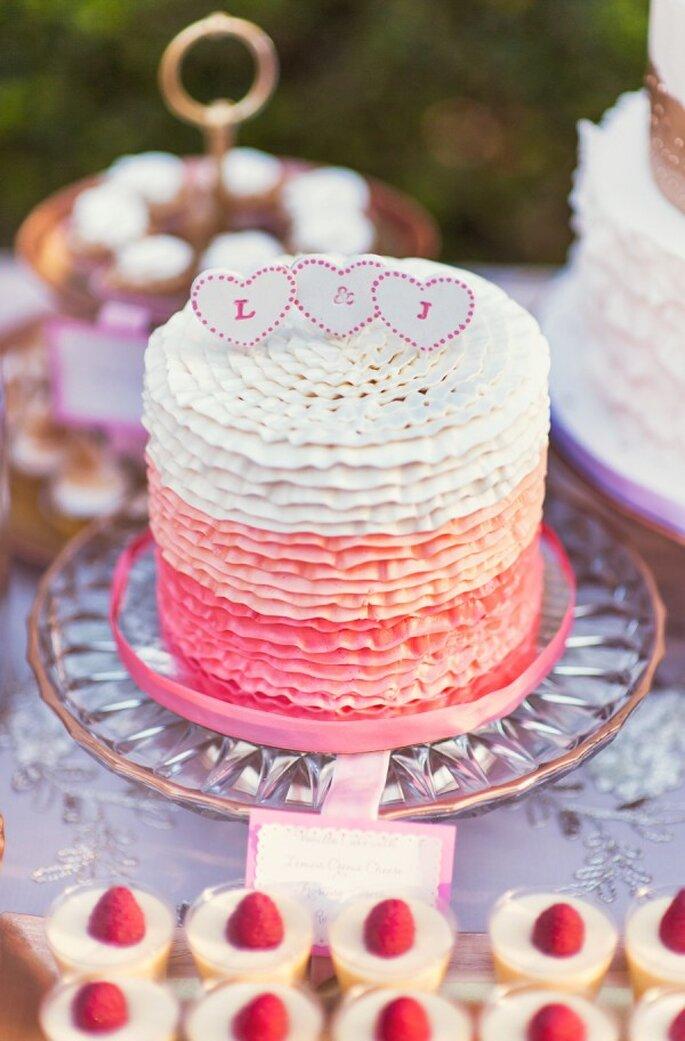 Los mini cakes como tendencia en banquete de bodas - Foto Chelsea Nicole Photography